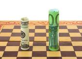 Dollar et l'euro sur l'échiquier — Photo
