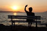 Kadın ve gün batımı — Stok fotoğraf