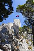 Altes fort in omis, kroatien — Stockfoto