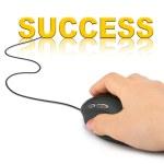 Hand mit Computer-Maus und Wort-Erfolg — Stockfoto