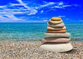 Stack of stones on beach — ストック写真