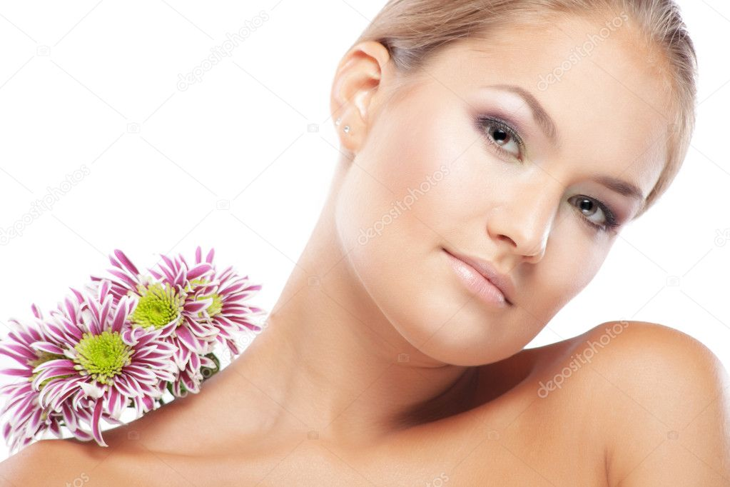 Portrait of beautiful female with healthy skin — Stock Photo #2775522