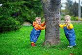 Babies standing — Stock Photo