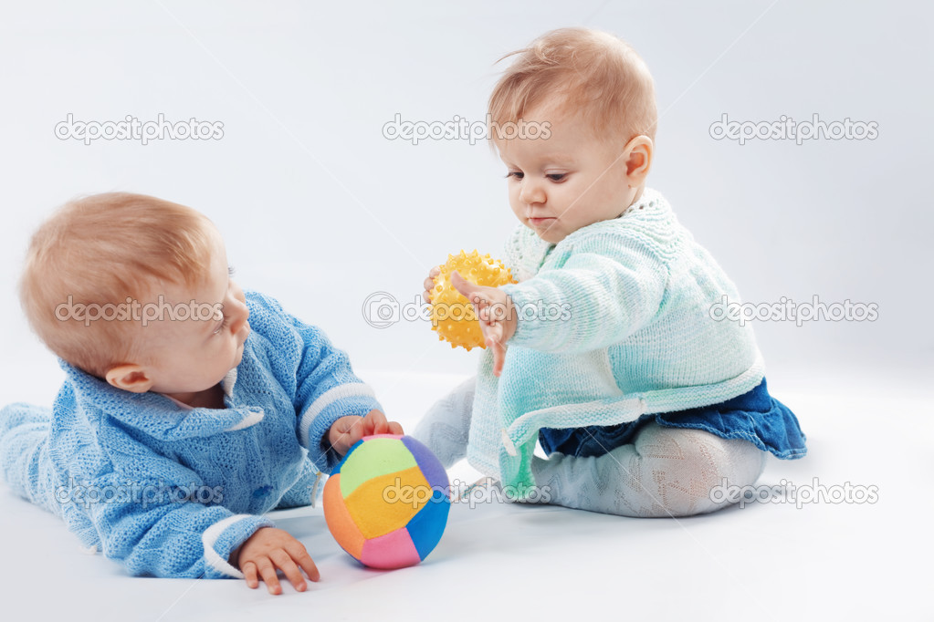 Studio portrait of two little children twins — Stock Photo #2782365