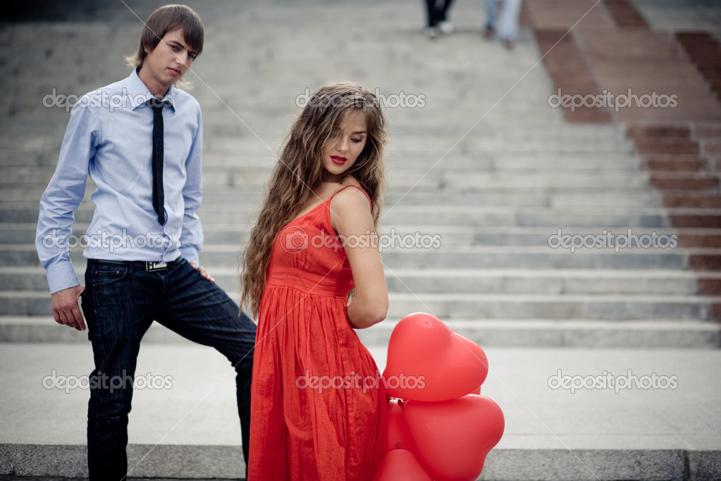 Young beautiful couple in love — Stock Photo #2786834