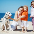 Family at beach — Stock Photo