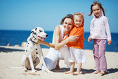 Family at beach — Stock fotografie