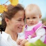 赤ちゃんと母親 — ストック写真