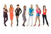 Groep van jonge vrouwen — Stockfoto