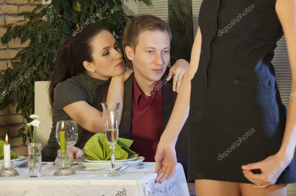 podelyus-svoey-devushkoy-foto