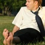 entspannende Geschäftsmann im freien — Stockfoto