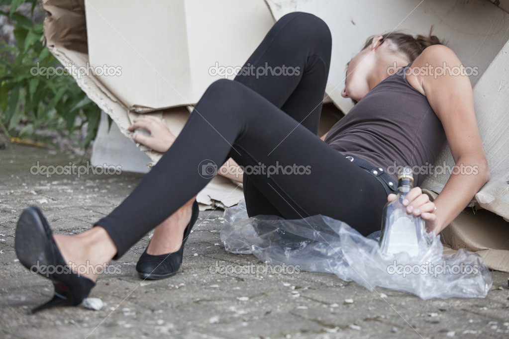 Пьяная девочка трахается 5 фотография