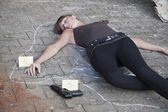 Killed woman outlined on the ground — Stock Photo