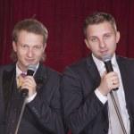 twee mannen op het podium — Stockfoto