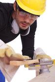 Trabajando con papel de lija de carpintero — Foto de Stock