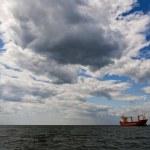 Tanker ship in open sea — Stock Photo #3187734