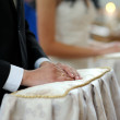 Groom's hands close-up during church ceremony — Foto Stock