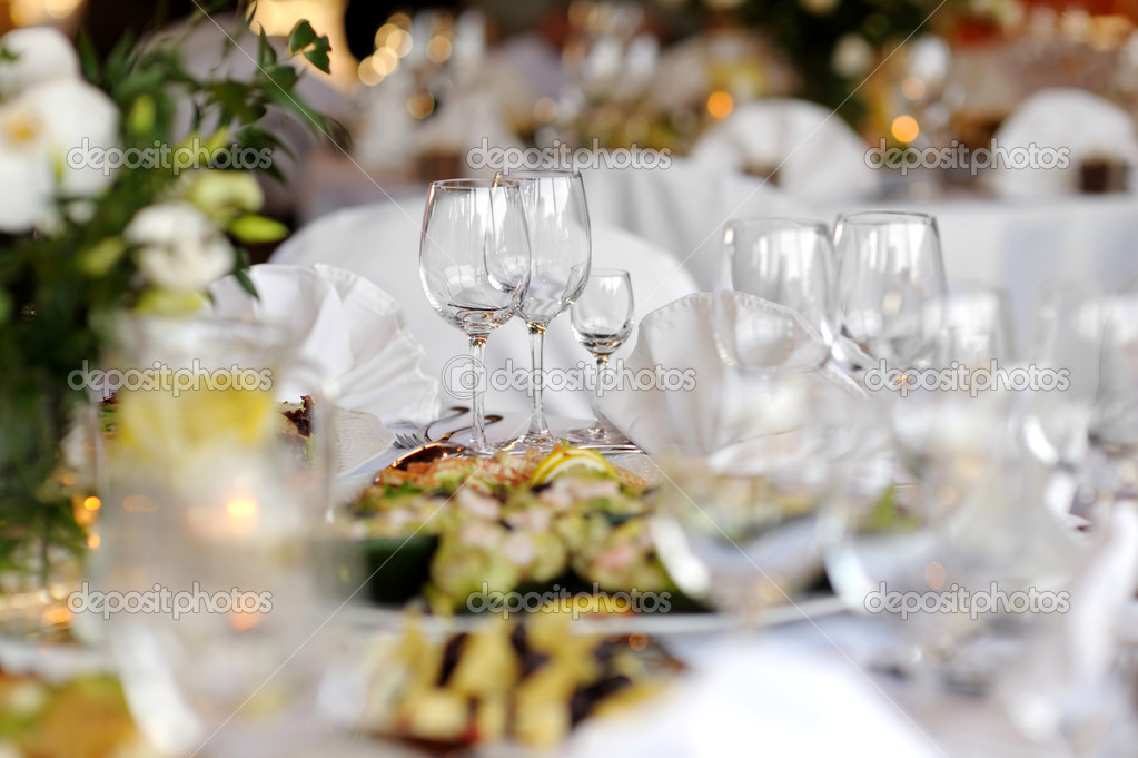Table set for a festive party or dinner with glasses — Stok fotoğraf #3140184