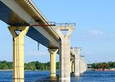 Köprü nehir volga, rusya federasyonu — Stockfoto
