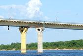 Most nad rzeką Wołgą, Rosja — Zdjęcie stockowe