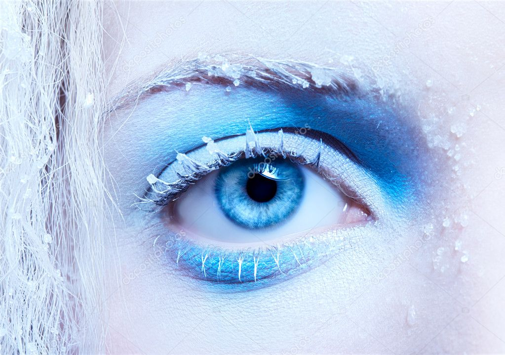 Close-up portrait of beautiful girl's eye-zone fantasy snow make-up — Stock Photo #4326005