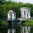 Rotunda on the pond - 图库照片