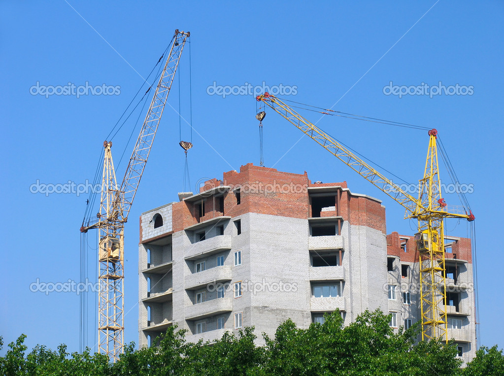 The building  under construction — Stock Photo #4667907