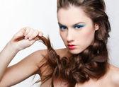 Yaratıcı saç-do ile kız — Stok fotoğraf