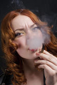 Woman smoking — Stock Photo