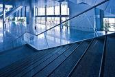 лестницы в офисном центре — Стоковое фото
