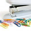 Stapler and multicolored paper clips - Lizenzfreies Foto