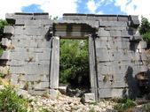 Ruiny rzymskiej świątyni w olympos, turcja — Zdjęcie stockowe