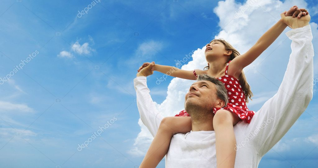 Father and daughter against sky  — Stock Photo #3351291