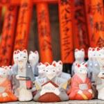 Foxes at Fushimi Inari shrine — Stock Photo