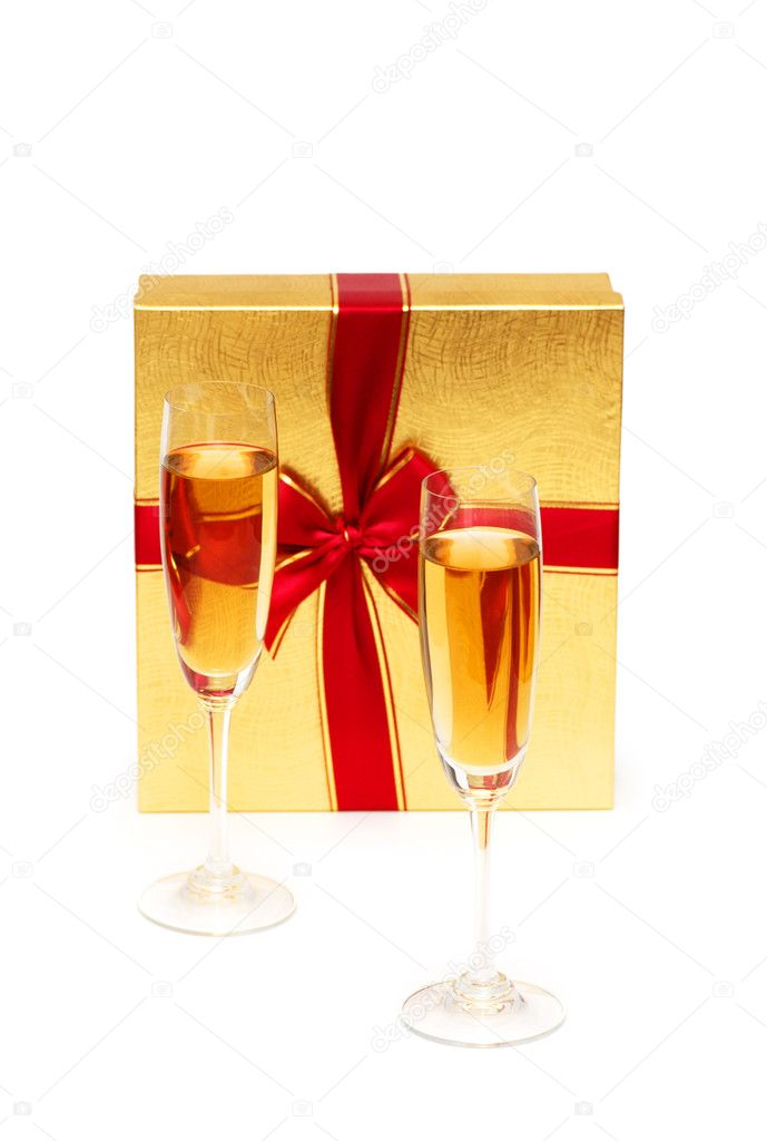 Giftbox and champagne isolated on the white — Stock Photo #2696709