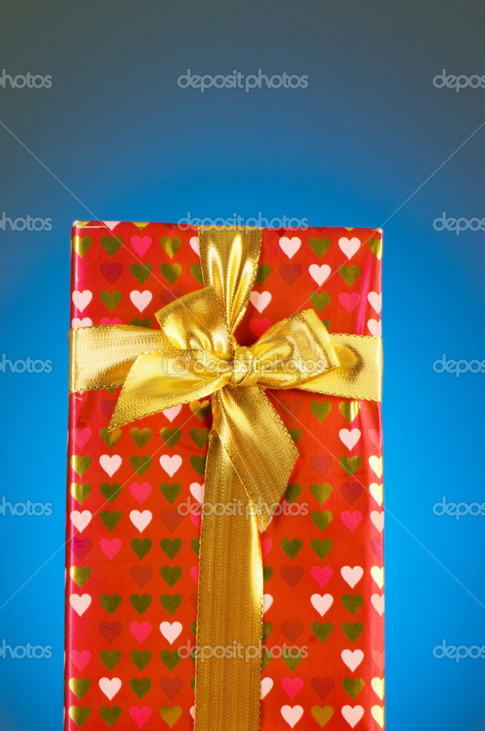Gift box against gradient background — Stock Photo #2875980