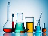 Diverse laboratorieutrustning glas — Stockfoto
