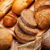Sortiment von gebackenem brot — Stockfoto