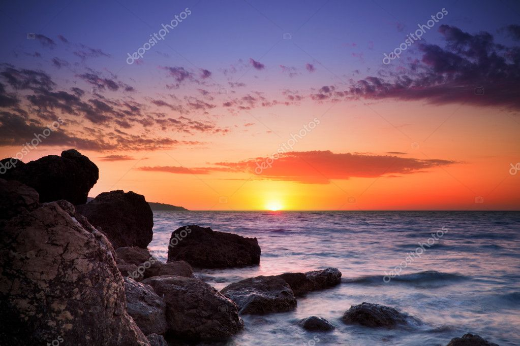 Beautiful sunset at tropical beach. Crimea. Ukraine. — Stock Photo #5129893