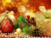 Weihnachten-tannenbaum mit papier — Stockfoto
