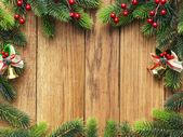 木制板上圣诞杉木树 — 图库照片