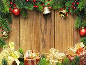 Abete albero di natale con regali — Foto Stock