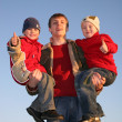 Father with ok finger children — Stock Photo #3537986
