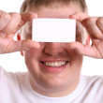 muž s kartou pro text na oči — Stock fotografie