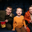 Family in cinema — Stockfoto