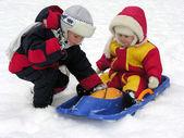 Kind en baby. winter 2 — Stockfoto
