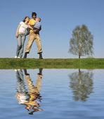 Rodinné stojan se synem. jaro — Stock fotografie