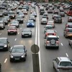 många bilar på vägen — Stockfoto