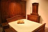 Rode hout slaapkamer — Stockfoto