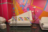 Vit soffa, färg fläckar — Stockfoto